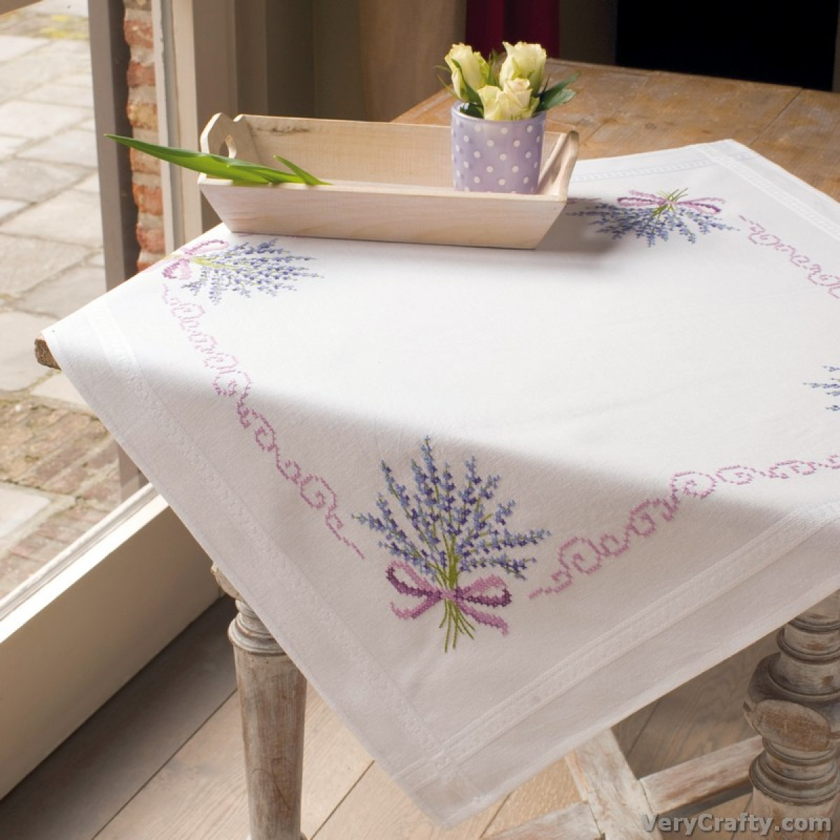 Vervaco Cheerful Cats Tablecloth Stamped Embroidery Kit 32 x 32